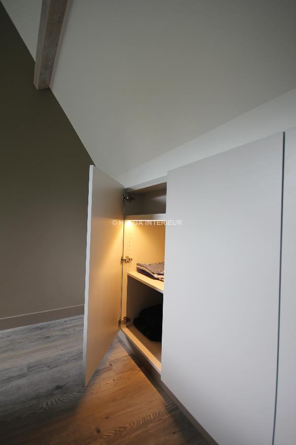 https://www.helgainterieur.be/images/projectgalerij/helga-interieur-architect-verbouwen-zolderkamer-maatkast-1410-12.jpg