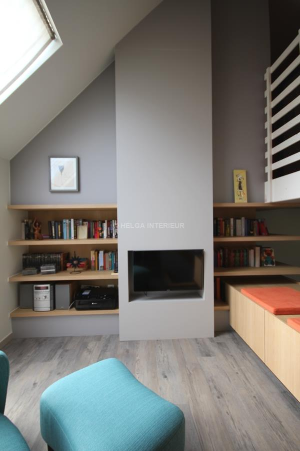https://www.helgainterieur.be/images/projectgalerij/zoersel_verbouwing_televisiehoek_speelkamer_boekenkast_boekenschap.jpg